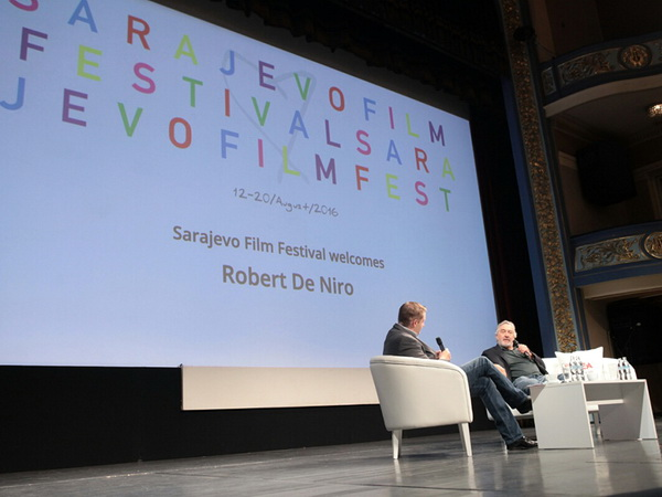 De Niro o Trampu, glumi, režiji