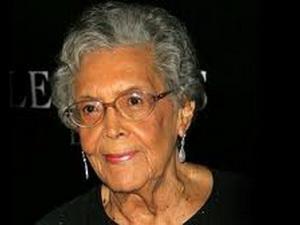 Preminula Elizabet Katlet
