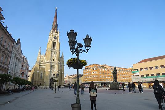 تعليق المسابقات الثقافية بلغراد ونوفي novisad_trg-slobode.